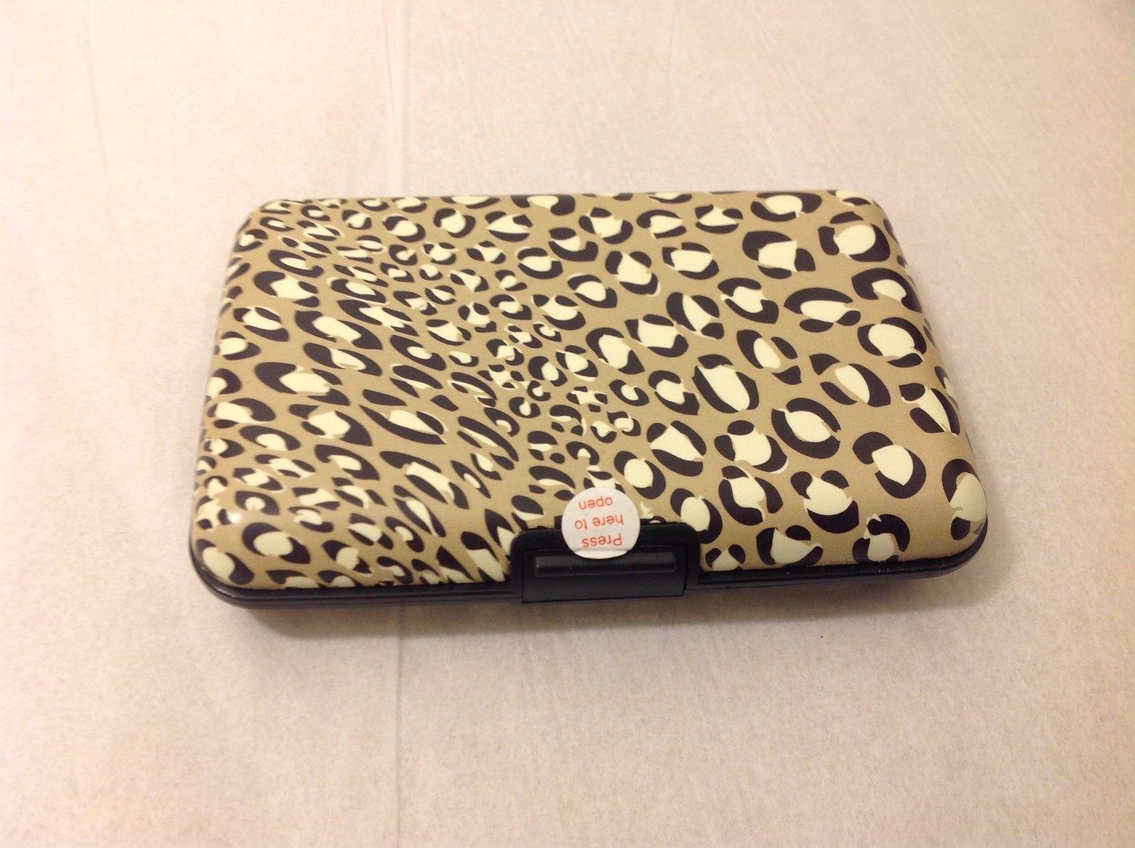 Leopard Print Business Card Holder Hardcover Locking Mechanism Wallet