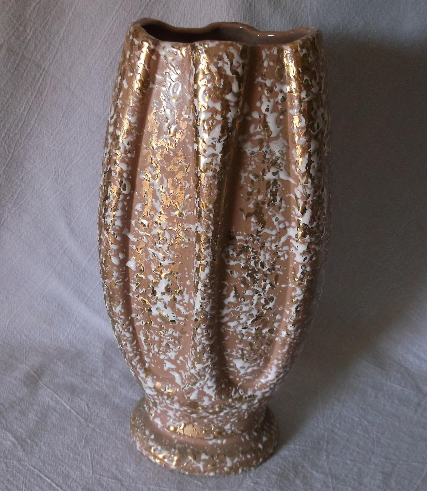 savoy china deena vase white enamel splatter weeping gold mid century large other american pottery. Black Bedroom Furniture Sets. Home Design Ideas