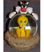 1995 Warner Bros Looney Tunes Sylvester & Tweety Bird Large Snow Globe - $54.99