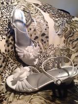 "Sonoma Life Style Girls Sandals Heels SZ 4M White BUCKLE 2"" Heel Dress W... - $16.82"