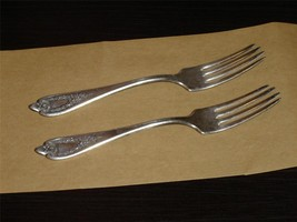 Pair of 1847 Rogers Triple Old Colony (1911) forks GUC - $12.59