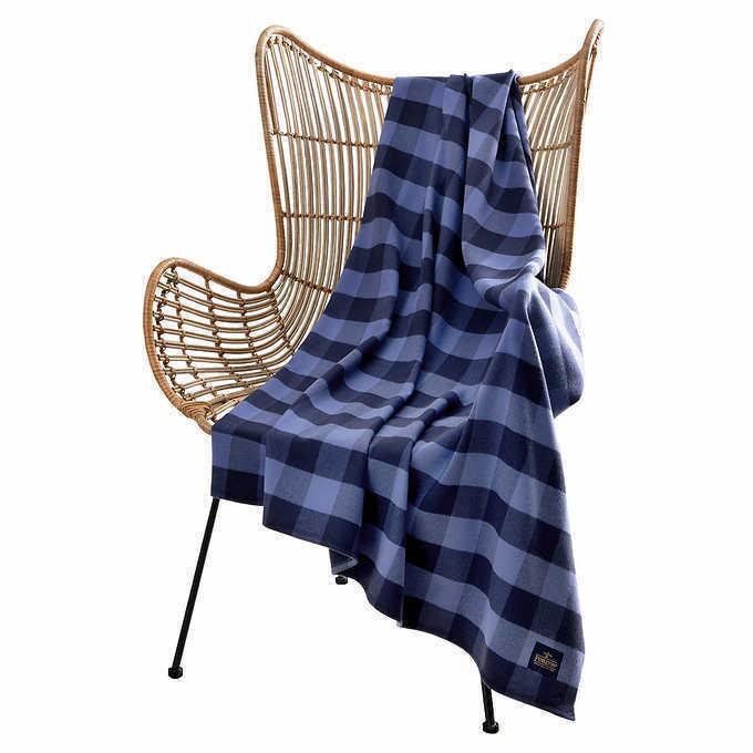 """Pendleton Rob Roy Luxe 100% Polyester 50""""x70"""" Throw Blanket Blue Plaid NWT"""