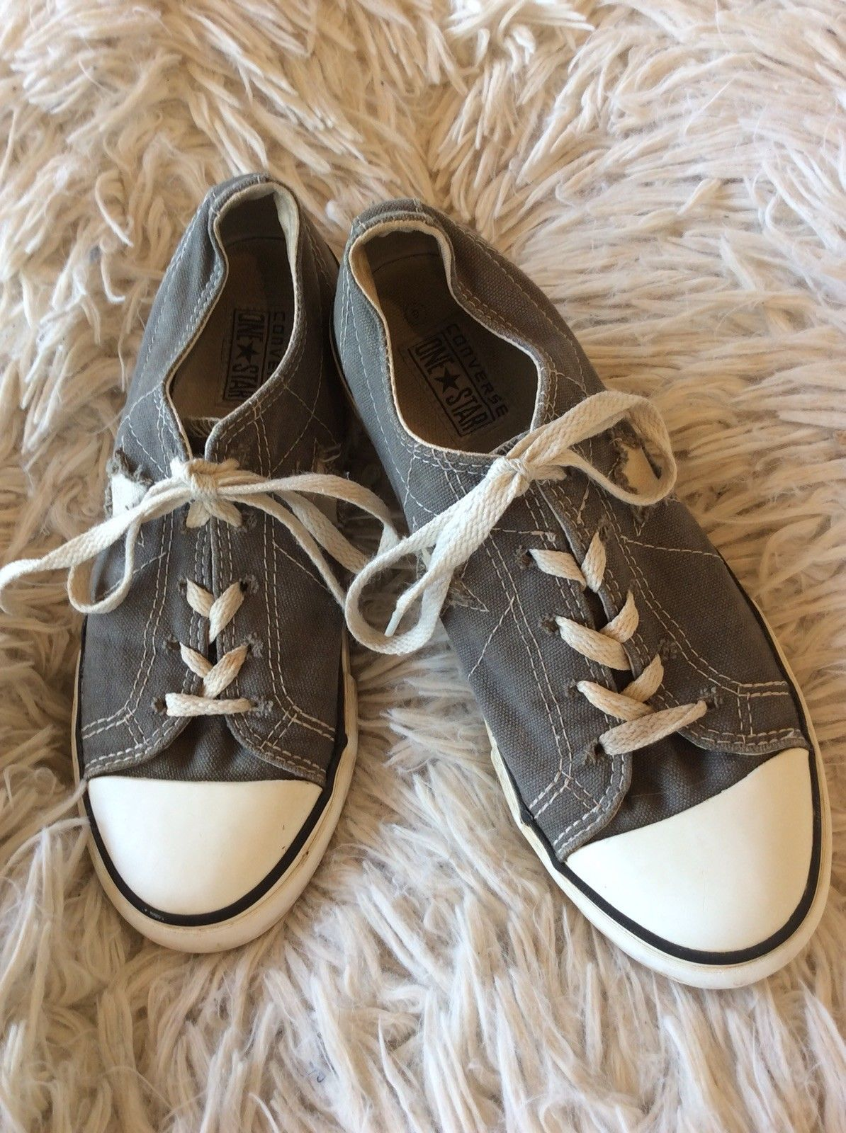 check out 8a769 a2966 Converse One Star Gray Youth size 4 athletic and 10 similar items. S l1600