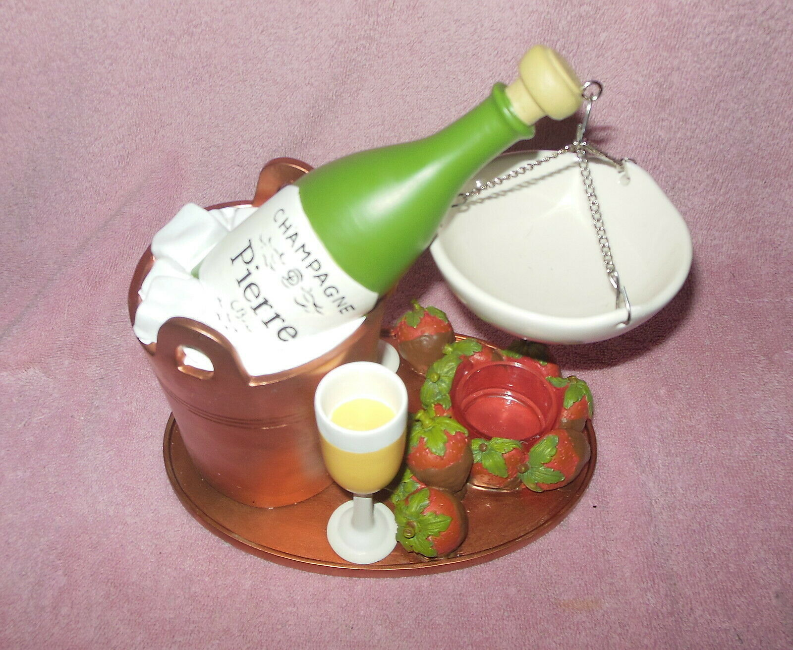 Primary image for YANKEE CANDLE LARGE RESIN OIL WARMER BURNER CHAMPAGNE STRAWBERRIES NWT