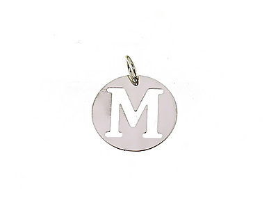 18K WHITE GOLD ROUND MEDAL WITH INITIAL M LETTER M MADE IN ITALY DIAMETER 0.5 IN