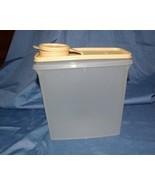 Tupperware Cereal Storer Keeper 13 cup Tan Seal - $6.99