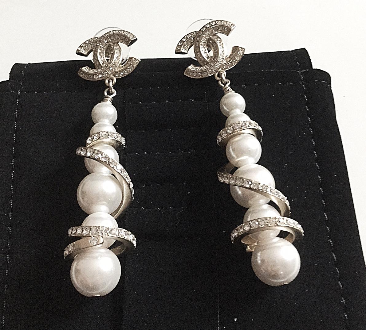 Chanel 2017 Runwsay Crystal Gold Swirl Pearl And 8 Similar Items