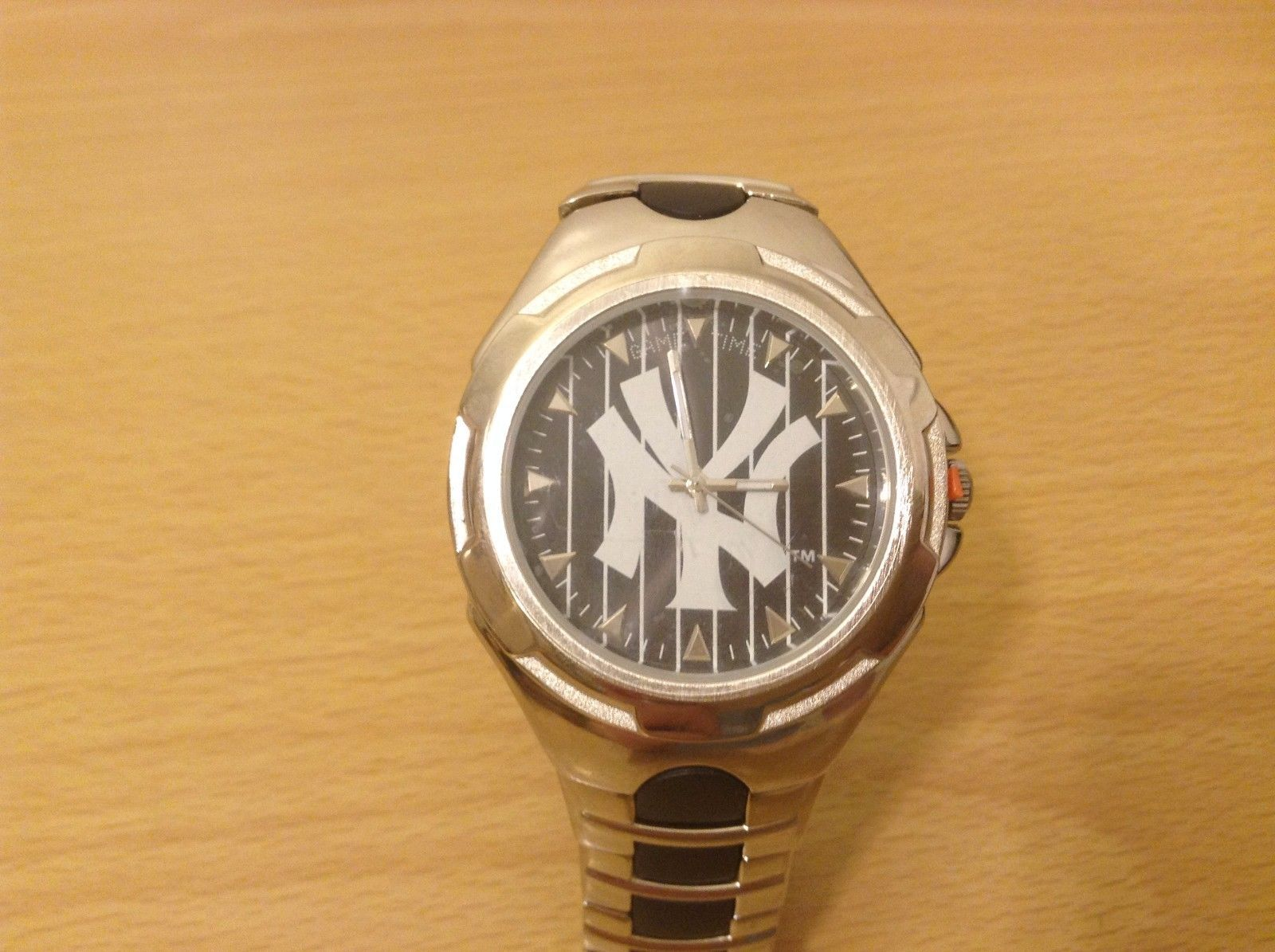 Game Time MLB Official Licensed NY Yankees Wrist Watch Metal Band New