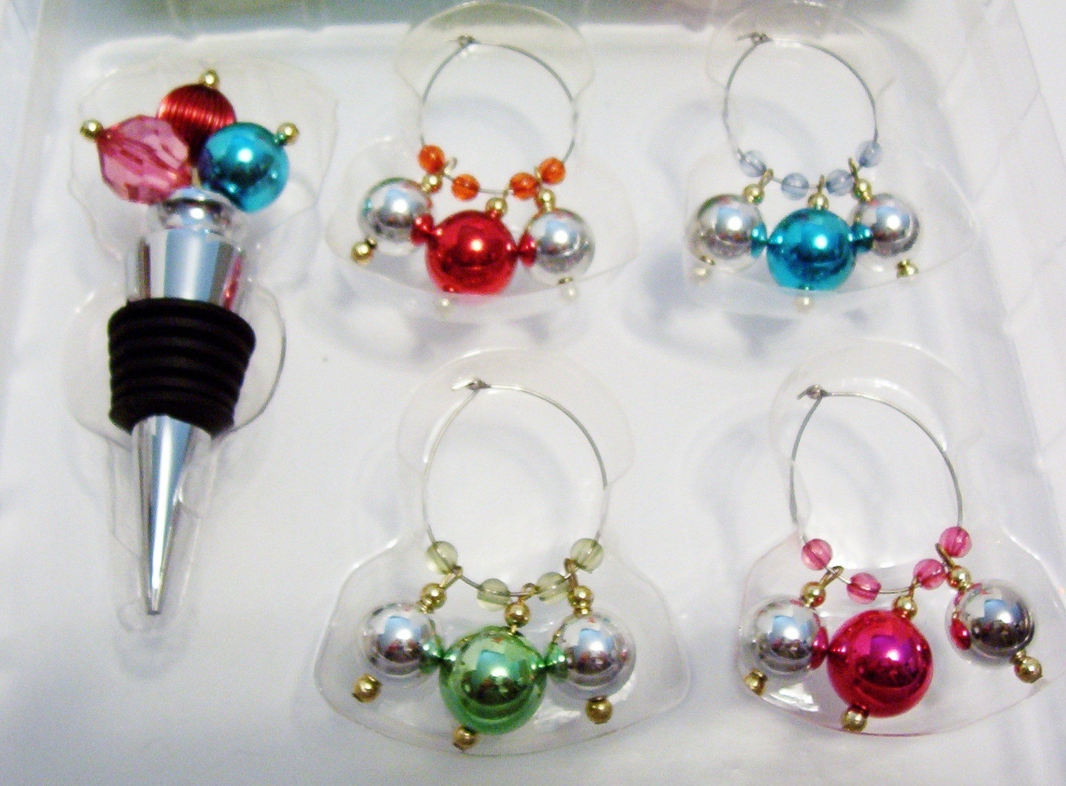 Food Network Wine Stopper and 4 Wine Glass Charm Set Multi Color Ornaments Box