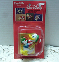 Vintage Cleo Dec-O-Tie WALT DISNEY Donald Duck CHRISTMAS Package Decorat... - $7.50