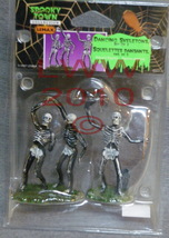 Lemax Spooky Town Halloween Dancing Skeletons Set of 2 With Grave - $6.99