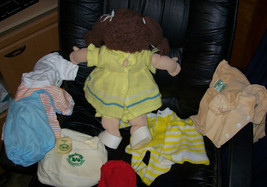1985 Cabbage Patch Kids Brown Hair Girl Cabbage Patch Airways Lot image 2