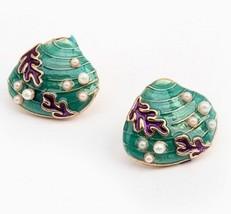 Fashion Green Shell Stud Earrings - $4.99