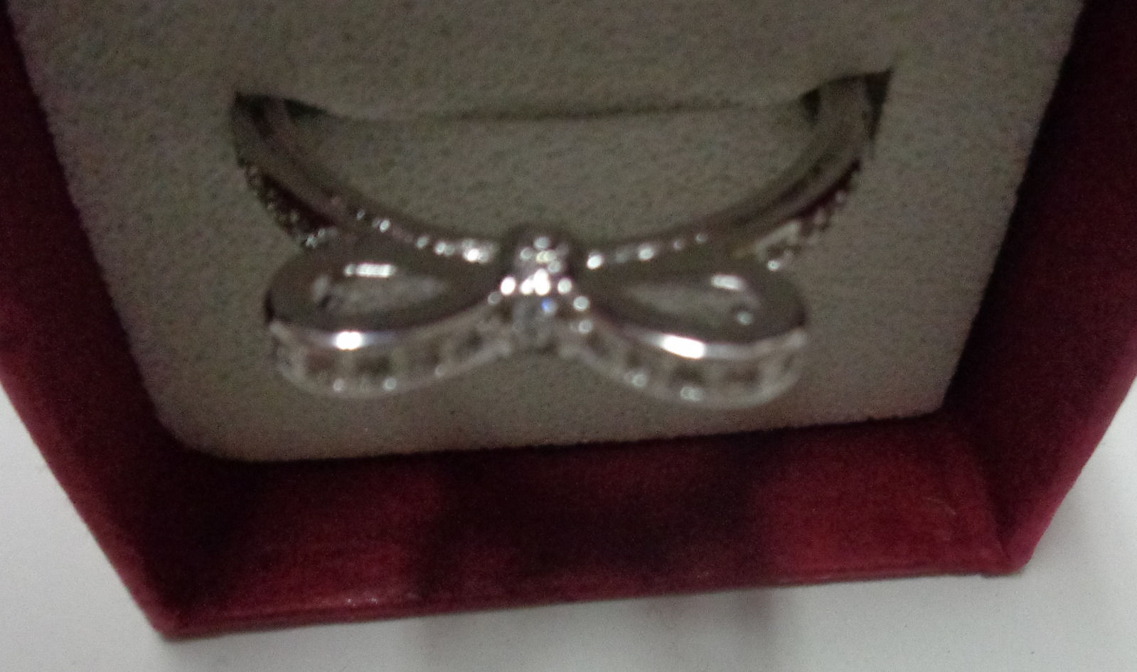 100% Sterling Silver 925 Sparkling Bow Ring Women's Size 7 NIB