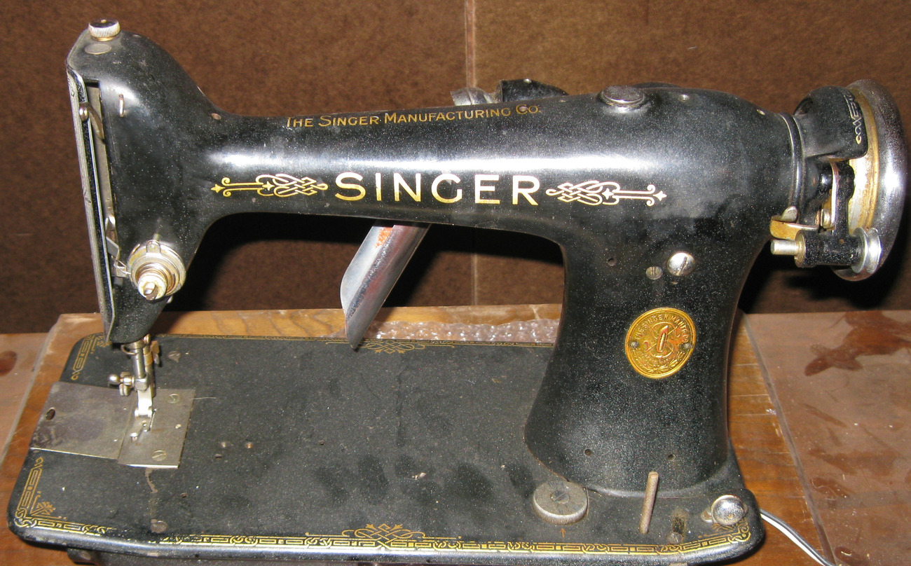 Singer 101  Hand Wheel w/ Stop Motion Clamp Nut & Washers