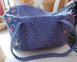 Vera bradley medium duffel bag in retired Royal Pattern Indiana Tags #2 - £43.73 GBP
