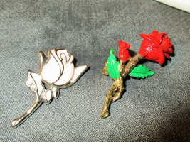 METAL ROSE PINS Lot of 2 pin set roses gold red pink silver chic vintage... - $4.94