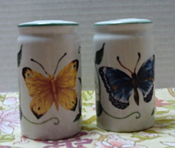 Vintage Ceramic BUTTERFLY DESIGN Salt & Pepper ... - $10.20