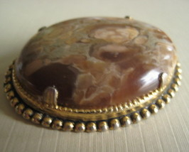 Vintage Oval Agate Brooch With Gold Tone Setting  - $30.00
