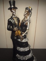 Black/Gold/Silver Skeleton Bride and Groom Statue - $14.45