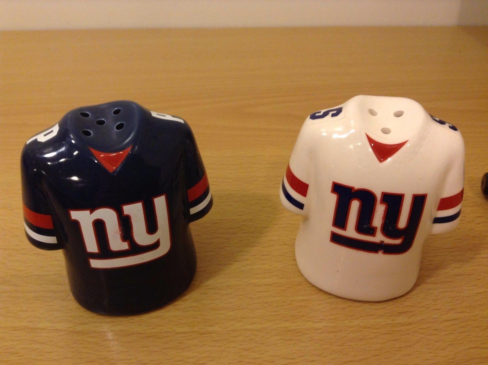 NY Giants Ceramic Salt And Pepper Shaker Set