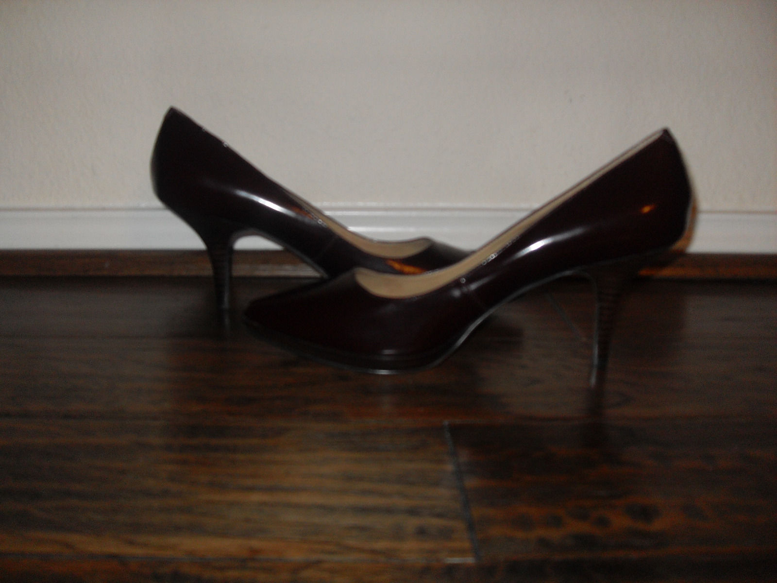 Nine West New Womens Wine Leather pumps Heels Shoes Medium ( B,M )    10