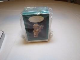 Holiday pursuit Membership bear 1994 RARE Christmas Hallmark Keepsake Or... - $22.76