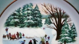 Avon Enoch Wedgwood Christmas 1975 Collectible Plate Skaters on the Pond, no box image 3