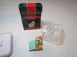 Friendly greetings cat santa hat 1992 RARE Christmas Hallmark Keepsake O... - $12.86