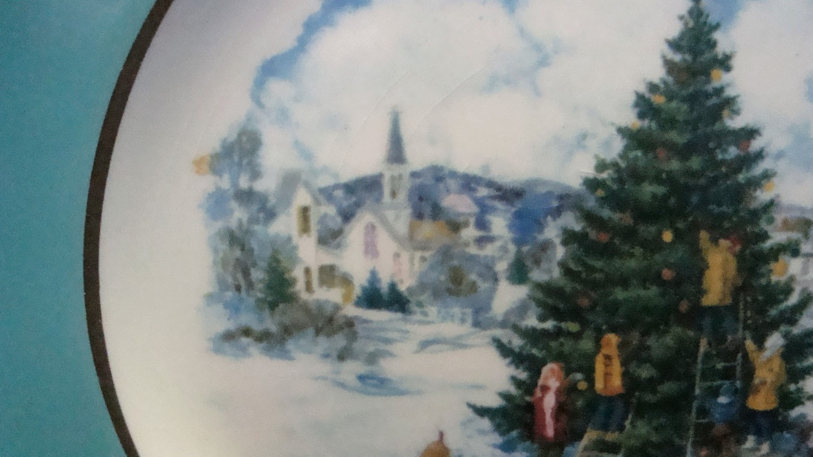 Avon Enoch Wedgwood Christmas 1978 Collectible Plate Trimming the Tree, no box image 4