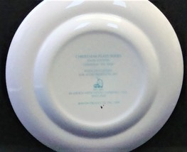 Avon Enoch Wedgwood Christmas 1978 Collectible Plate Trimming the Tree, no box image 6