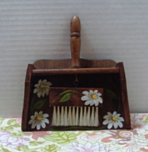 Vintage Wood Hand Painted Silent Butler, Crumb Sweeper, Wall Hanging Ret... - $10.25