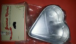 Vintage Gourmet Kitchen 4 Heart aluminium Jello Cake Tart Pastry mold New - $7.91