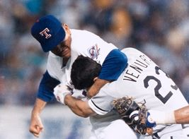 Nolan Ryan Kevin Ventura Texas Rangers Fight Vintage 18X24 Color Baseball Photo - $35.95