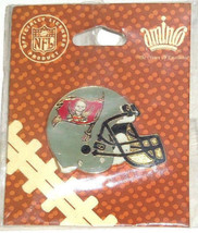 Tampa Bay Buccaneers Pin Helmet Lapel Hat NFL Football Collectible  - $15.95