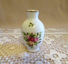 "Royal Albert ""Old Country Roses"" Bone China Bud Vase Made in England - $14.00"