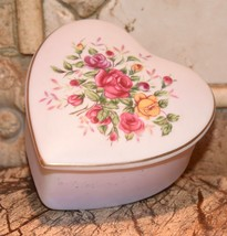 Vintage Lefton China Japan Heart Shape Porcelain Bisque Trinket Jewelry Box 8187 - $24.99