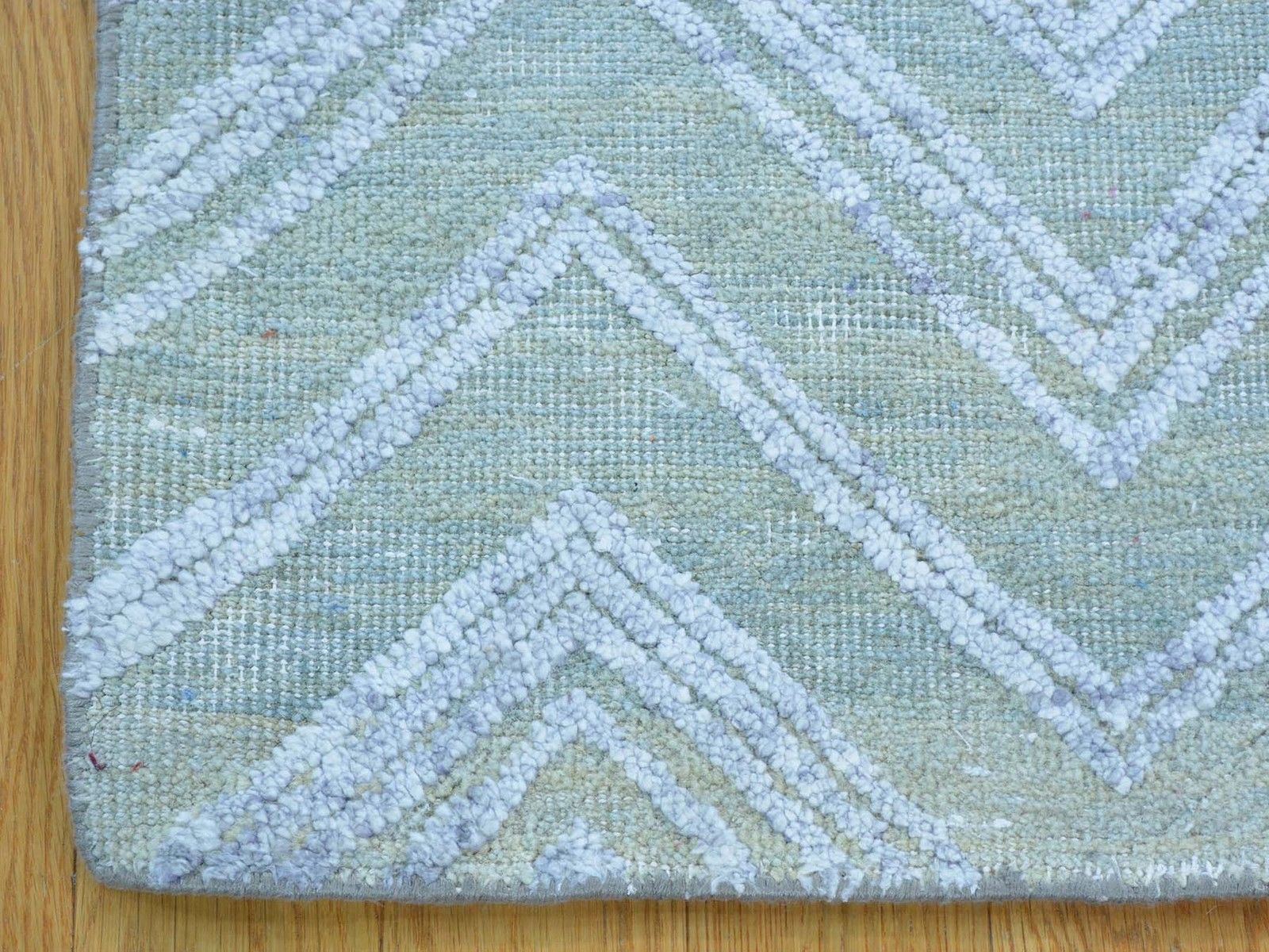 2'x3' Wool And Bamboo Silk Zig Zag Design Hand Knotted Oriental Rug G23735