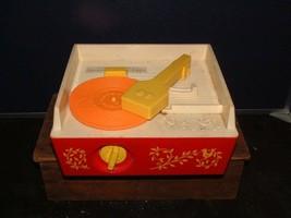 1971 Fisher Price Music Box Record Player 995 &  5 Records Swiss Movement - $45.53