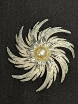Vintage Sarah Coventry Silver Tone Brooch Pin Signed - $9.89