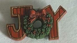 "1.75""SIGNED HALLMARK JOY WORD CHRISTMAS PIN,WREATH,PLASTIC,RUSTIC DESIGN... - $4.94"