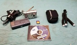 HP PhotoSmart R927 8.2MP 12x Zoom Digital Camera Bundle Dock Case SD Card Tripod - $47.53
