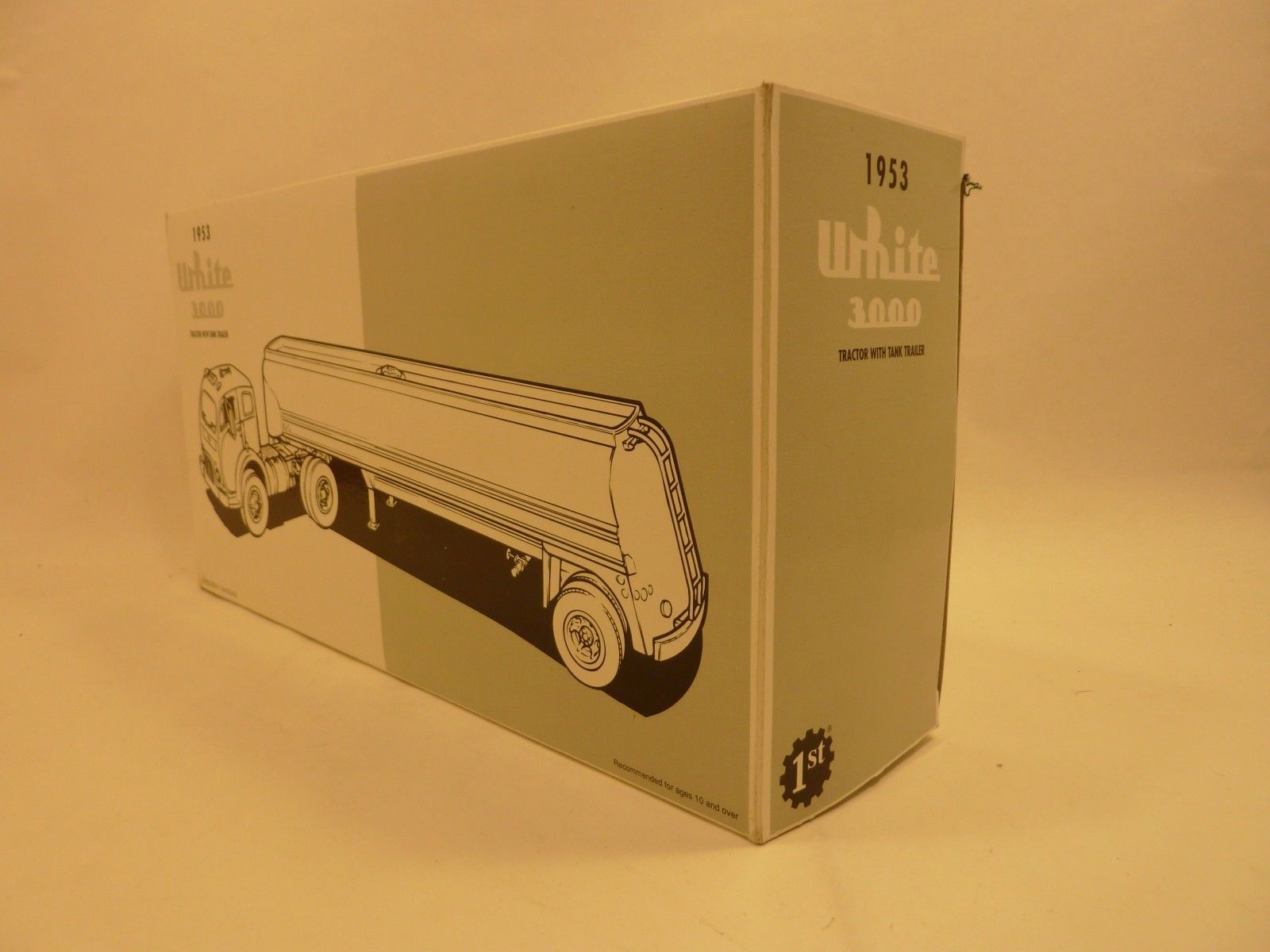 First Gear Mobil Oil 1953 White 3000 Tractor with Tank Trailer 1/34 Scale
