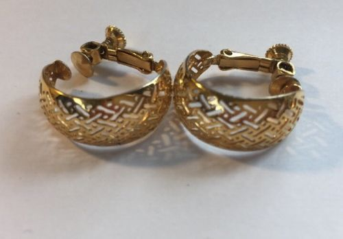 Napier Thick Hoop Criss Cross Gold Tone Screw Back Earrings Vintage Women