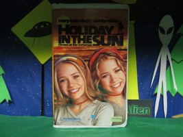 Mary-Kate & Ashley Olsen - Holiday in the Sun (VHS, 2001, Clamshell) Used - $6.38