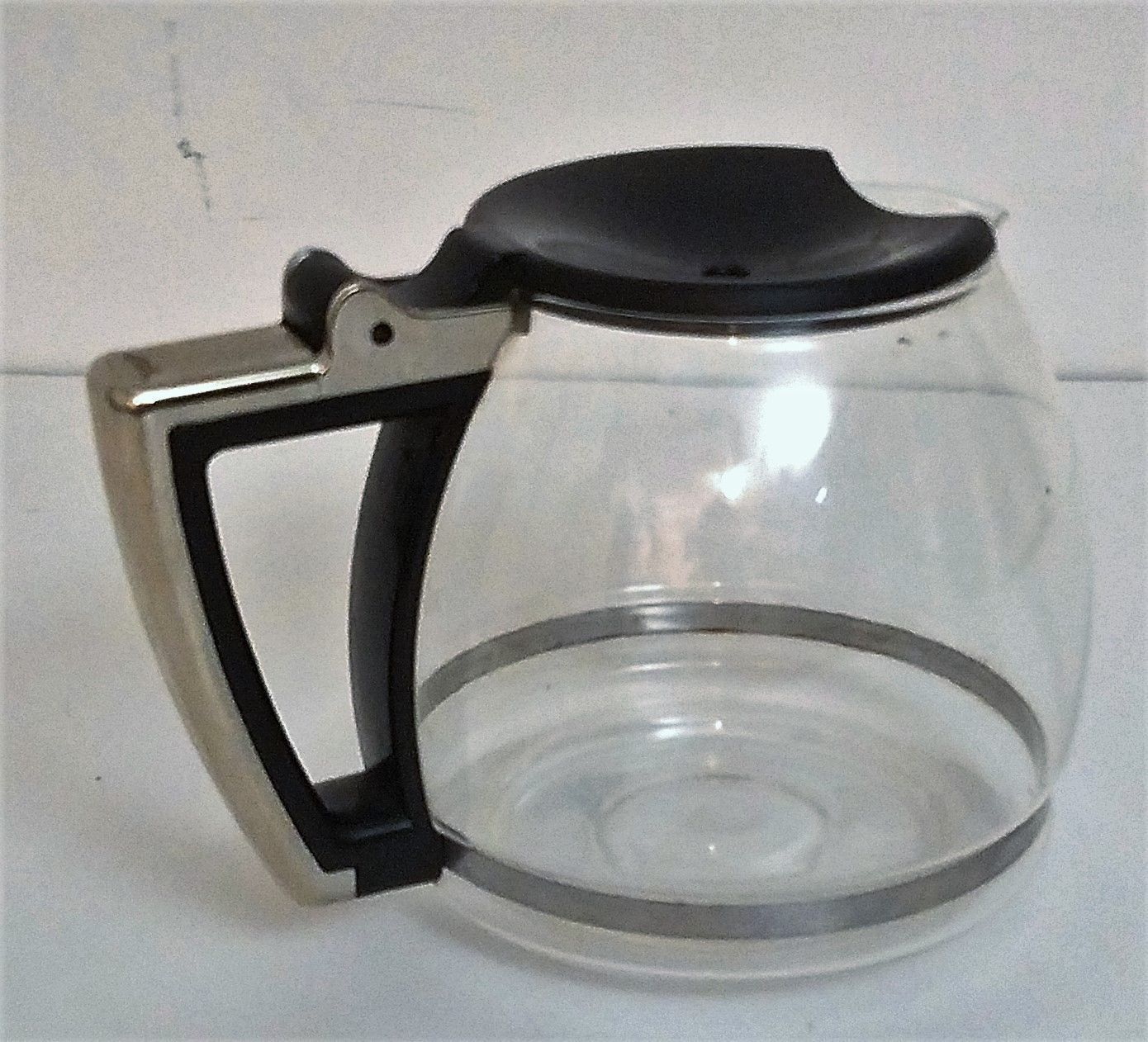 Delonghi Coffee Maker Carafe Replacement : DeLonghi DCF212T Coffee Carafe 12 Cup Replacement Glass Decanter Black Handle - Replacement ...