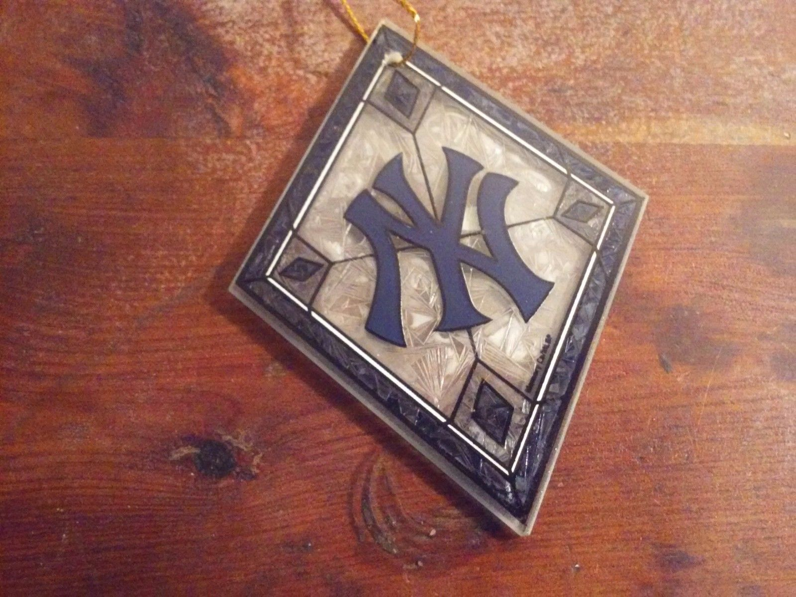 Officially Licensed NY Yankees Art Glass Ornament