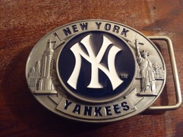 Officially Licensed NY Yankees Havy Belt Buckle Accessory Commemorative Edition