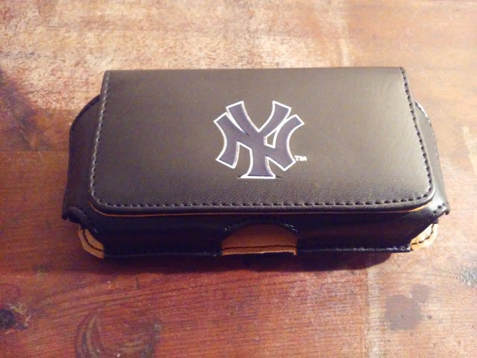 Officially Licensed NY Yankees Leather Belt Phone Holster Case New Magnetic