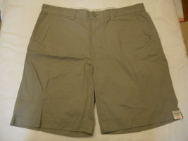 Men's St. John's Bay Legacy Flat Front Shorts Wild Dove  Size 38 NEW  - $24.74